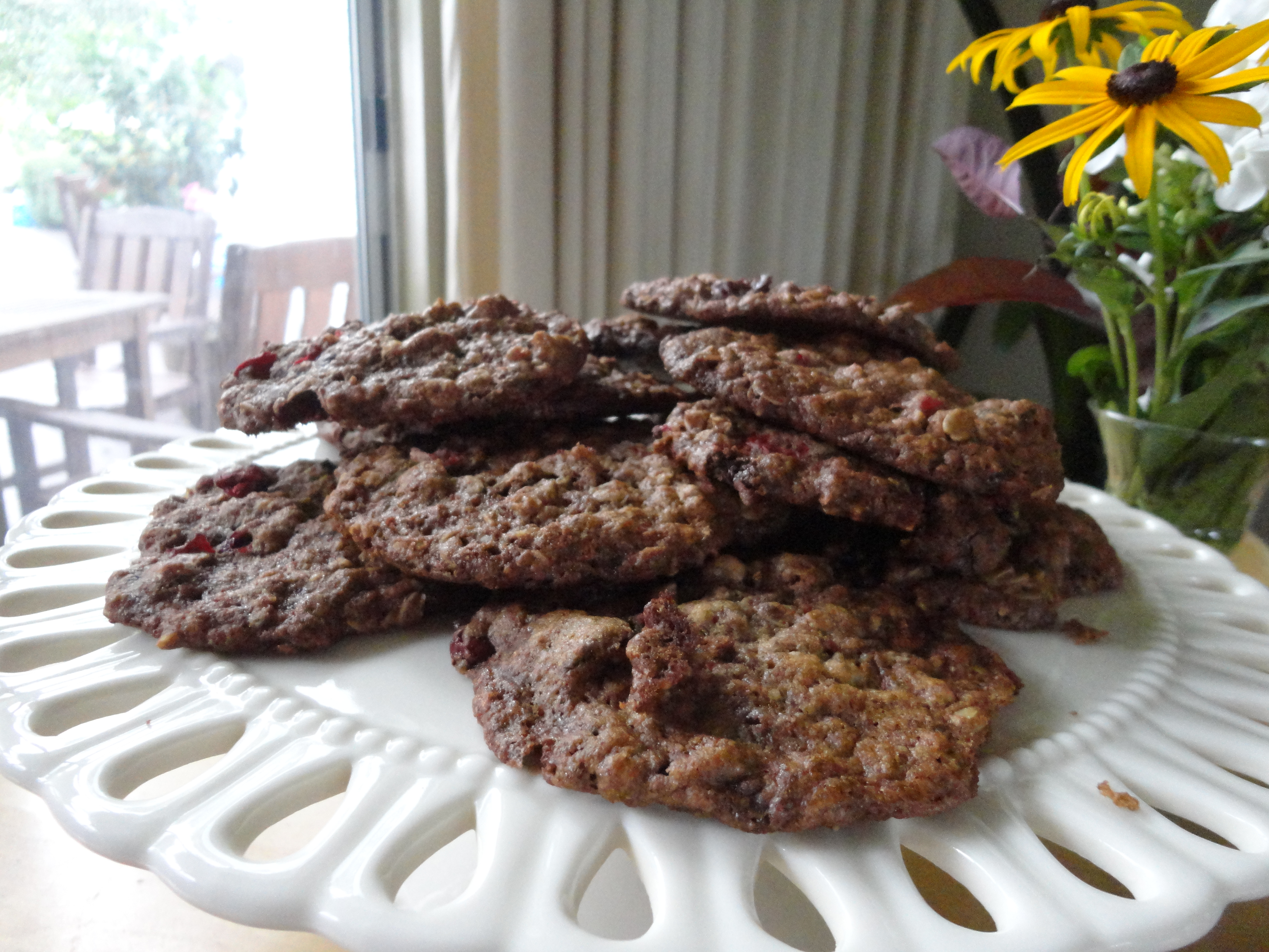 Oatmeal Cookies with Cranberries and Chocolate Chunks
